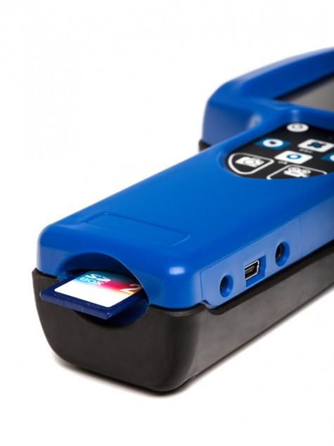 Разъем для карты памяти SD в мониторе ADRONIC V55n