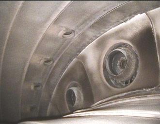 Четкое и яркое изображение камеры сгорания авиационного двигателя