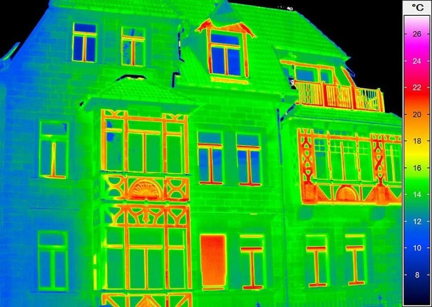 Термограмма дома с VarioCAM HD inspect 700